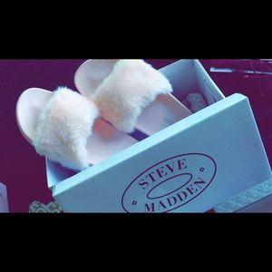 NEVER WORN Steve Madden Furry Slides